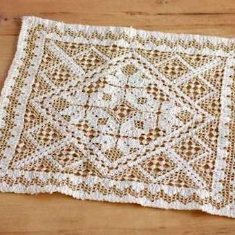 スウェーデンで見つけた手編みセンタークロス(ベージュ)の商品写真