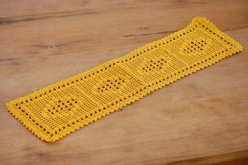 スウェーデンで見つけた手編みドイリー(長方形イエロー)の商品写真