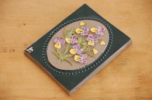 スウェーデン/JIE釜/陶板の壁掛け(黄色と紫色の小さなお花)の商品写真