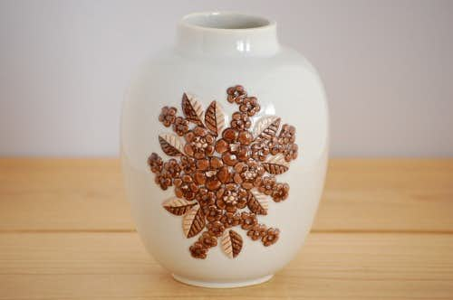 Losa Ljung/陶器の花瓶(小さなお花)の商品写真