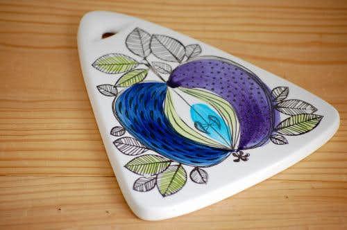 RORSTRAND/ロールストランド/EDEN/陶器のカッティングボード(三角形)(小)の商品写真