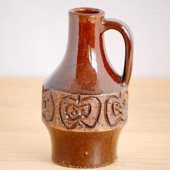 スウェーデンで見つけた小さな陶器の花瓶(ブラウン・リンゴ柄)の商品写真