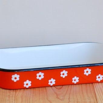 デンマークで見つけたホーロー製の大きなオーブン皿(オレンジ・花柄)の商品写真