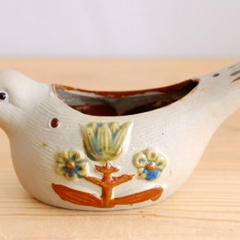 スウェーデンで見つけた小鳥モチーフの陶器の小物入れの商品写真