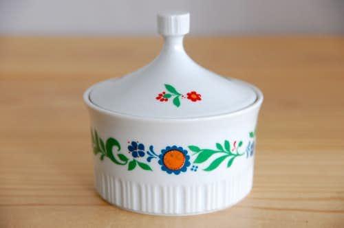 デンマークで見つけたお花模様が可愛い陶器のシュガーポットの商品写真