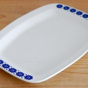 ノルウェー/FIGGJO/フィッギオ/陶器の長方形プレート(ブルーのお花)の商品写真