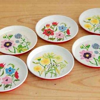 デンマークで見つけたブリキのコースター6枚セット(可愛いお花)の商品写真