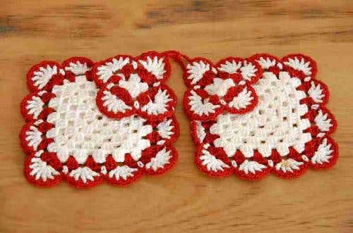 スウェーデンで見つけた手編みのポットマット2枚セット(スクエア)の商品写真