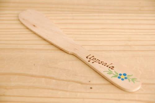 スウェーデンで見つけた木製のバターナイフの商品写真