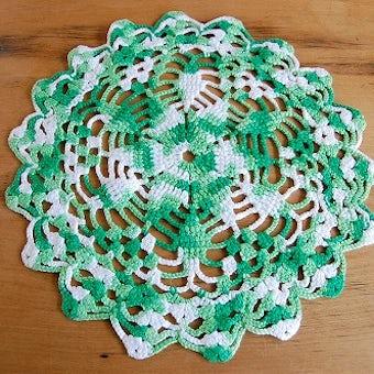 スウェーデンで見つけた手編みドイリー(グリーン×ホワイト)の商品写真