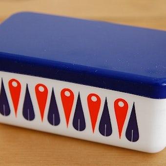 スウェーデンで見つけたプラスティック製バターケース(ホワイト×ブルー)の商品写真