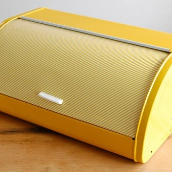 スウェーデンで見つけたブリキのブレッドケース(イエロー)の商品写真