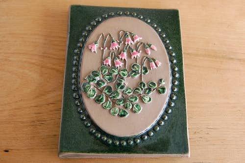 スウェーデン/JIE釜/陶板の壁掛け(小)(ピンク色のスズラン)の商品写真