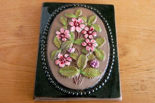 スウェーデン/JIE釜/陶板の壁掛け(小)(ピンク色の小花)の商品写真