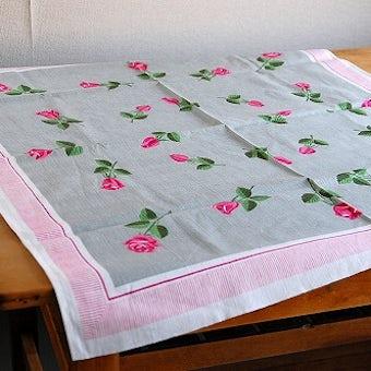 スウェーデンで見つけたバラ模様が可愛いテーブルクロスの商品写真