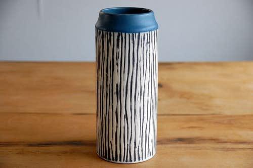 デンマークで見つけた陶器の花瓶(円柱型)の商品写真