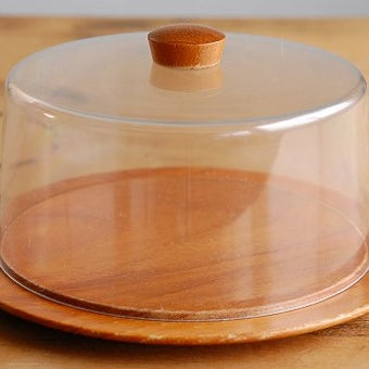 スウェーデンで見つけたプラスティック製タルトドーム(チーズドーム)の商品写真