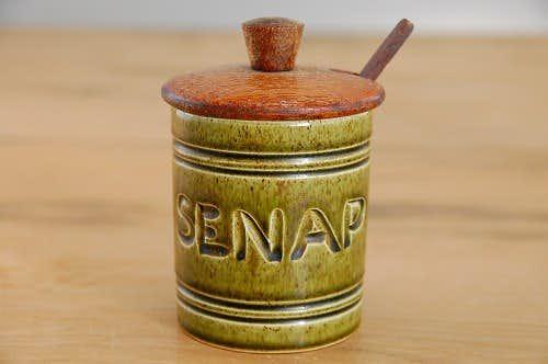 スウェーデンで見つけた陶器のマスタードポット(木蓋&木ヘラ付き)の商品写真