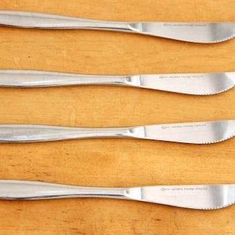 スウェーデンで見つけたステンレス製ナイフ4本セットの商品写真