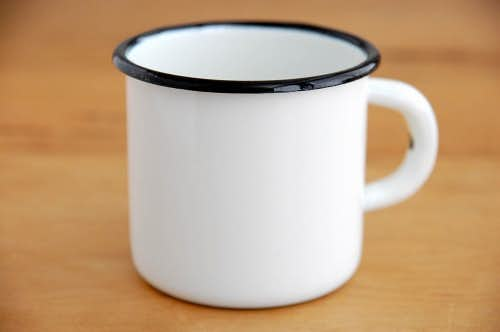 デンマークで見つけたホーロー製マグカップ(ホワイト)の商品写真