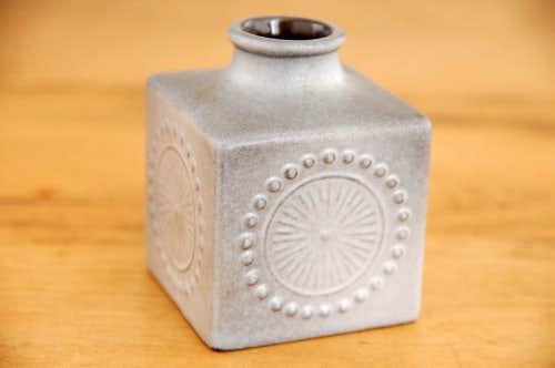 Upsala Ekeby/ウプサラエクビイ/キューブ型の花瓶(グレー)の商品写真