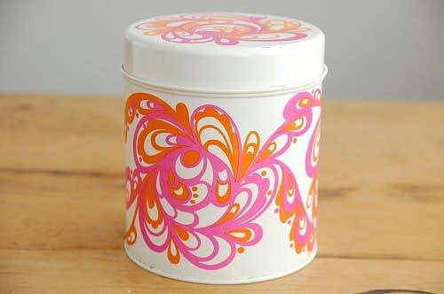 デンマークで見つけた古いブリキ缶(ホワイト)の商品写真
