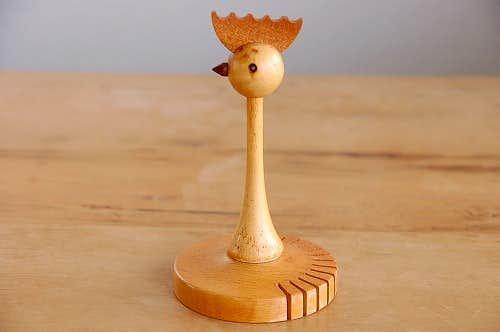 スウェーデンで見つけた木製ニワトリのオブジェ(ナプキン立て)の商品写真