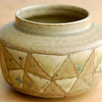 スウェーデンで見つけた陶器の花瓶(壺)の商品写真