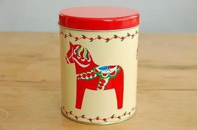スウェーデンで見つけた古いブリキ缶(ダーラナホース)の商品写真