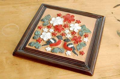 スウェーデン/GABRIEL/ガブリエル釜/陶板の壁掛け(お花と二羽の小鳥)の商品写真