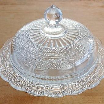 スウェーデンで見つけたガラスの細工が美しい小物入れの商品写真