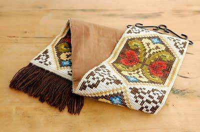 スウェーデンで見つけた織りタペストリー(房つき)の商品写真