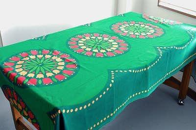 スウェーデンで見つけたチューリップ柄が可愛いテーブルクロスの商品写真