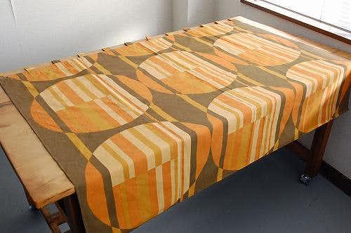 スウェーデンで見つけたヴィンテージカーテン(オレンジ&ブラウン)の商品写真