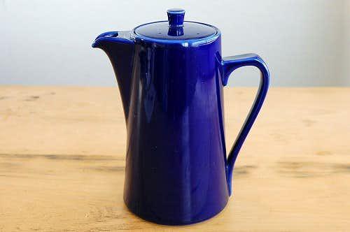 デンマークで見つけた陶器のティーポット(ブルー)の商品写真
