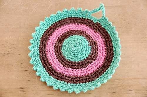 スウェーデンで見つけた手編みのポットマット(グリーン&ピンク)の商品写真