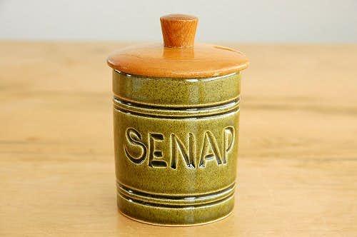 スウェーデンで見つけた陶器のマスタードポット(木蓋付き)の商品写真