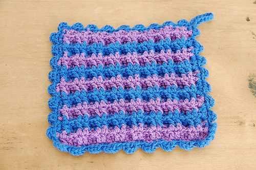 スウェーデンで見つけた手編みのポットマット(ブルー&パープル)の商品写真