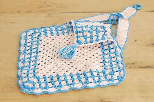 スウェーデンで見つけた手編みの壁掛け小物入れ(ブルー&ピンク)の商品写真