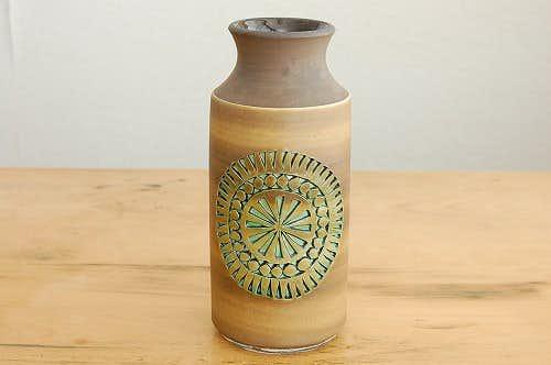スウェーデンで見つけた陶器の花瓶(ブラウン)の商品写真