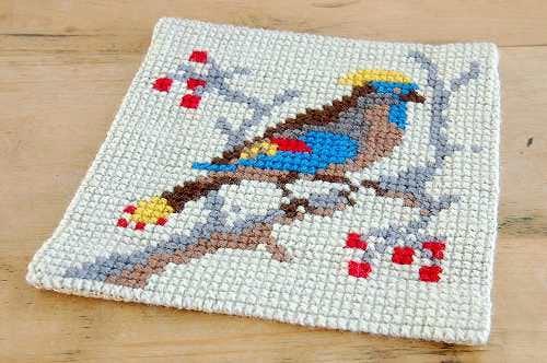 スウェーデンで見つけたクロスステッチのセンタークロス(タペストリー)(小鳥)の商品写真