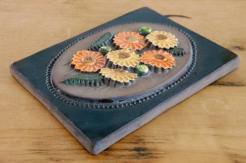 スウェーデン/JIE釜/陶板の壁掛け(オレンジ色のお花)(大)の商品写真