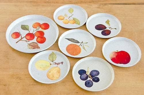 デンマークで見つけたブリキのコースター大小7枚セット(果実)の商品写真