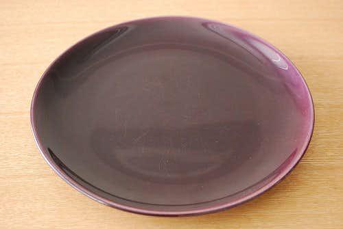 スウェーデンで見つけた陶器のプレート(パープル)の商品写真