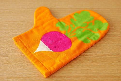 デンマークで見つけたオーブンミトン(オレンジ)の商品写真