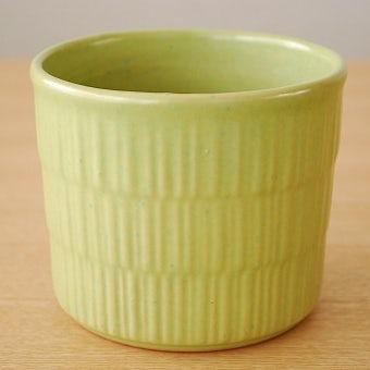 スウェーデンで見つけた若草色の植木鉢の商品写真