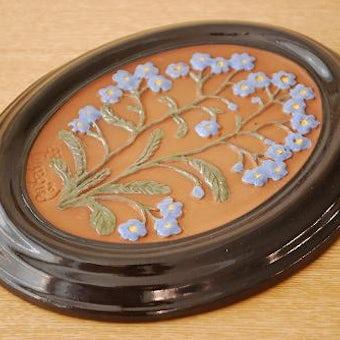 スウェーデン/GABRIEL/ガブリエル釜/陶板の壁掛け(ブルーのお花)の商品写真
