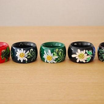 スウェーデンで見つけたお花模様のナプキンリング5個セットの商品写真