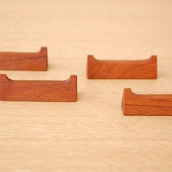スウェーデンで見つけたチーク材のカトラリーレスト4個セット(箸置き)の商品写真