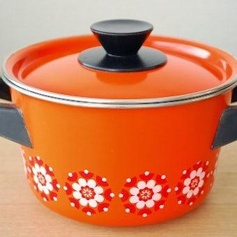 スウェーデンで見つけたホーロー両手鍋(オレンジ)の商品写真